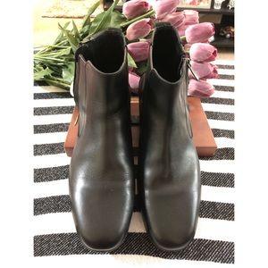 Salvatore Ferragamo Zip up Ankle Boots